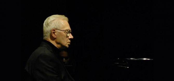 Fortepianowa noc w planetarium: Szabolcs Esztényi