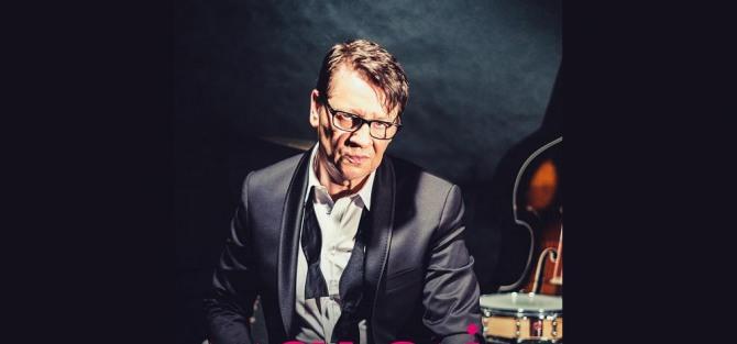 "Maciej Maleńczuk + ""Rhythm section""- koncert"