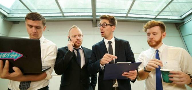 Rozmowa o pracę: zjazd absolwentów – spektakl improwizowany