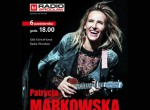 Patrycja Markowska z zespołem na koncercie akustycznym