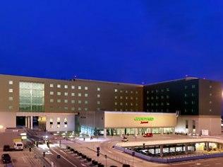 Courtyard By Marriott Warsaw Airport Hotel
