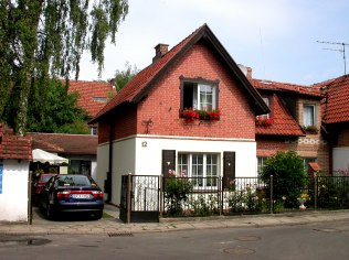 Widok domu z ulicy