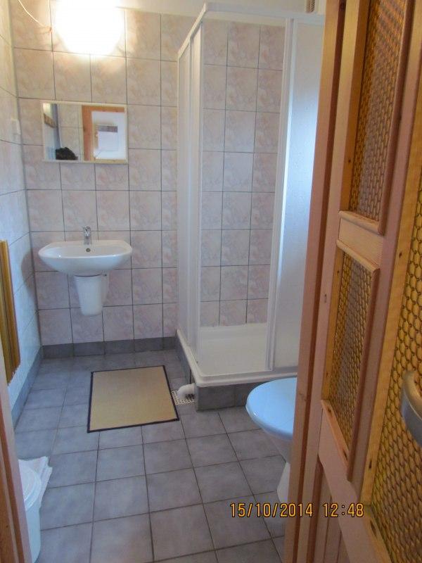 pokój nr 5 (łazienka)