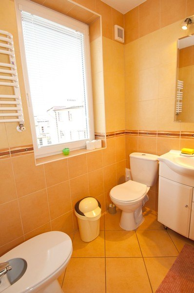 łazienka pokoju 2os. na piętrze I