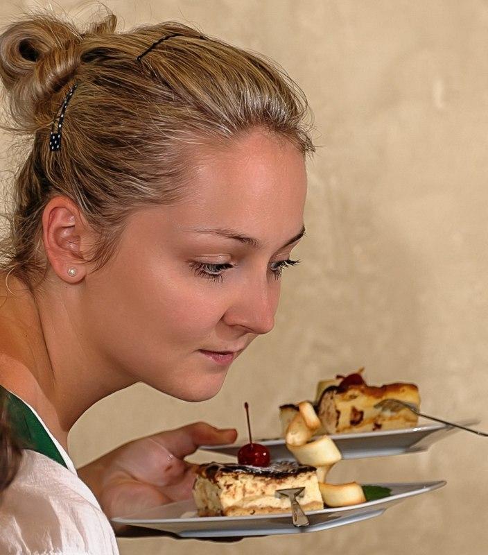 Zapraszamy na ciasta firmowe Karolówki