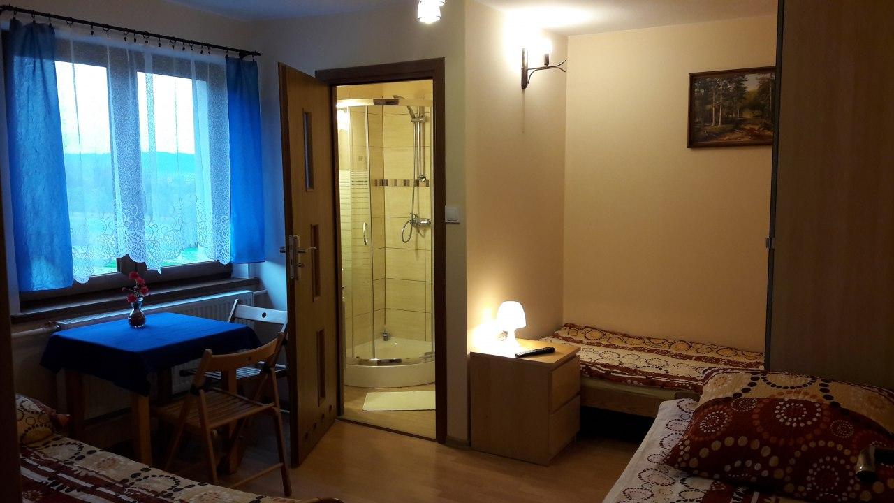 Pokój 4-osobowy z łazienką