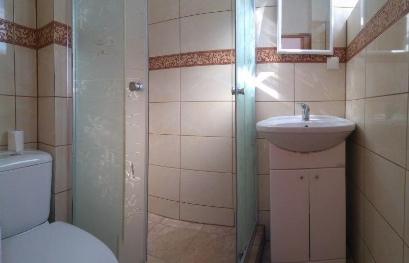 łazienka pokoju 2-3 os.