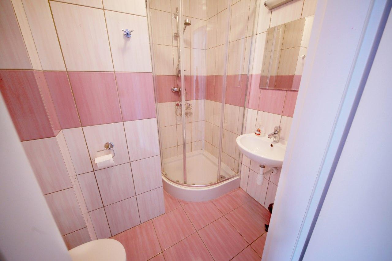 1os z łazienką