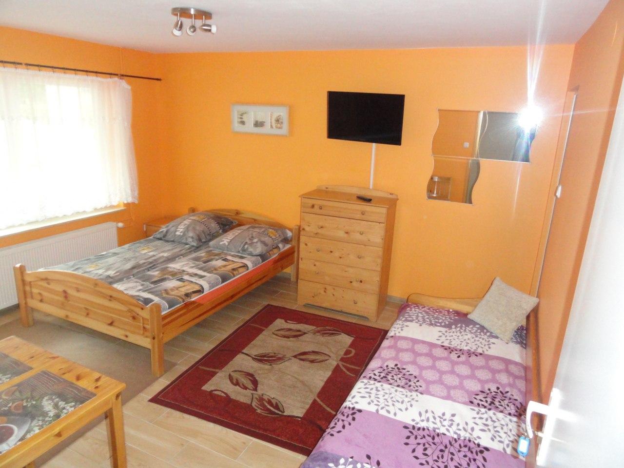 pokój nr 1 z osobnym wejściem