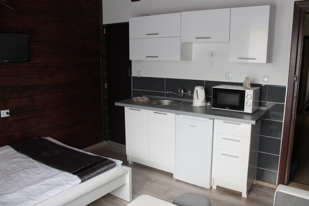 Pok. nr 7- 2 piętro z balkonem, aneksem kuchennym i łazienką