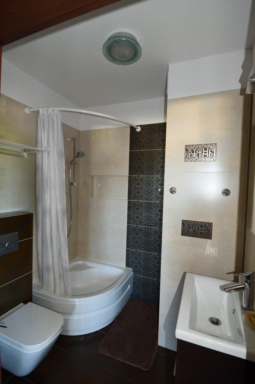 łazienka pokoju 3-4-os.
