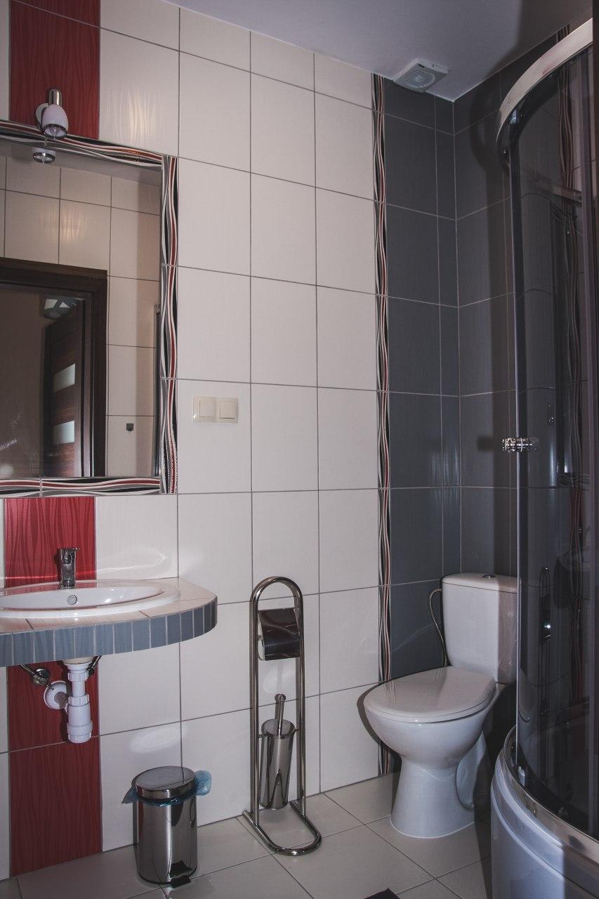 łazienka w pokoju B