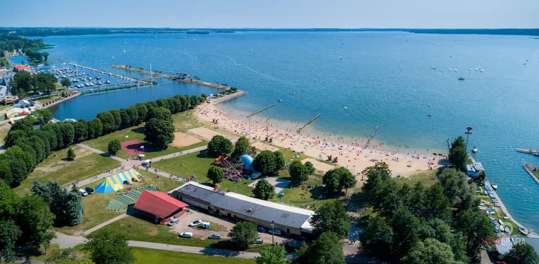 Plaża nad jeziorem Niegocin