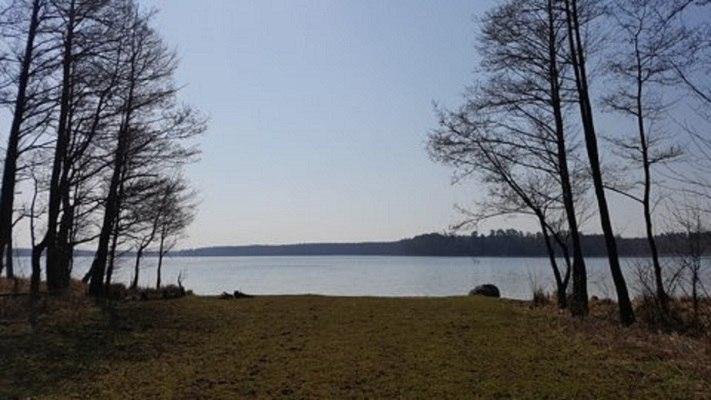 Mazurskie Zacisze nad jeziorem