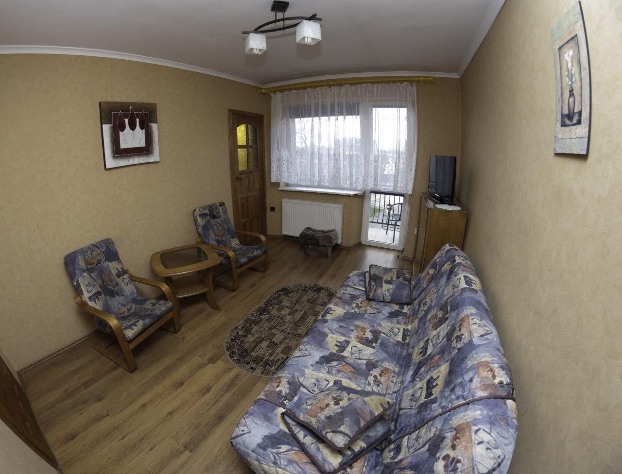 10-pokój 4 osobowy z balkonem