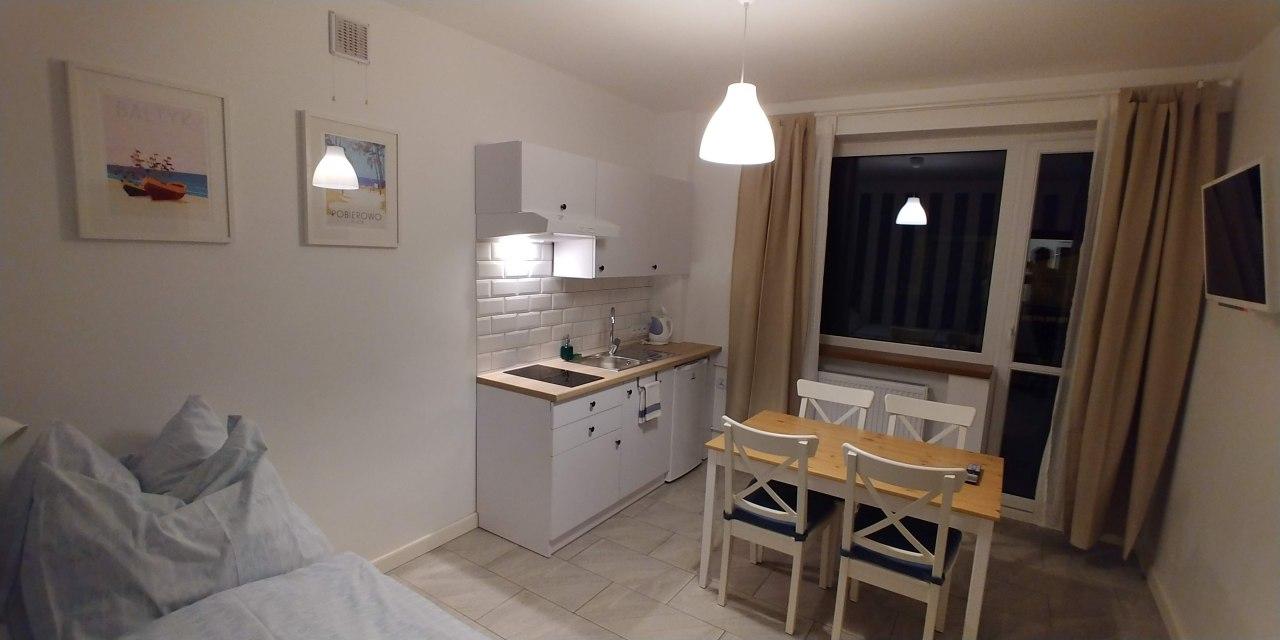 Apartament z 2 sypialniami, tarasem 30m2, 2xTV, aneksem i łazienką.