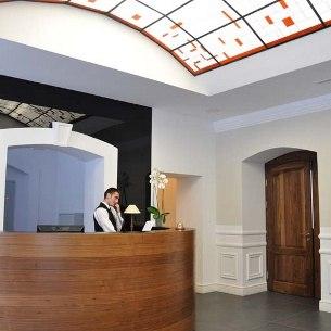 Zamek Lubliniec Ul Grunwaldzka 48 Lubliniec Hotele Lubliniec