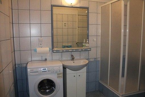 łazienka na parterze-pralka do użytku naszych gości