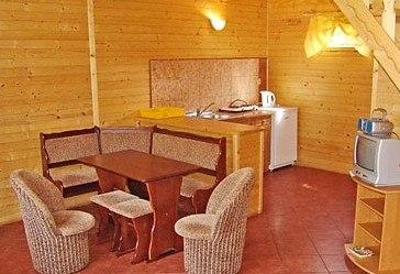 salon w domku pietrowym