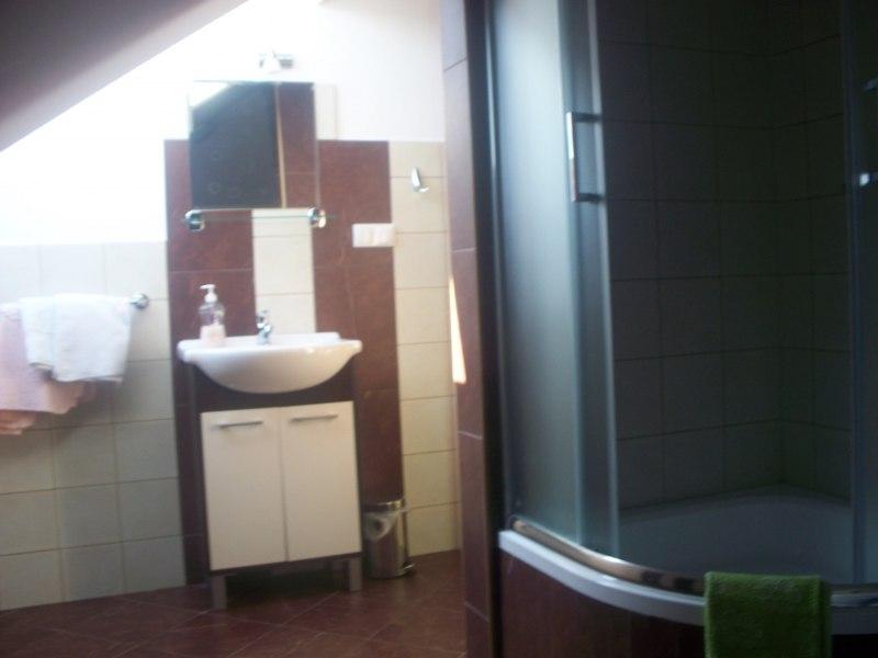 łazieneczka pok.4