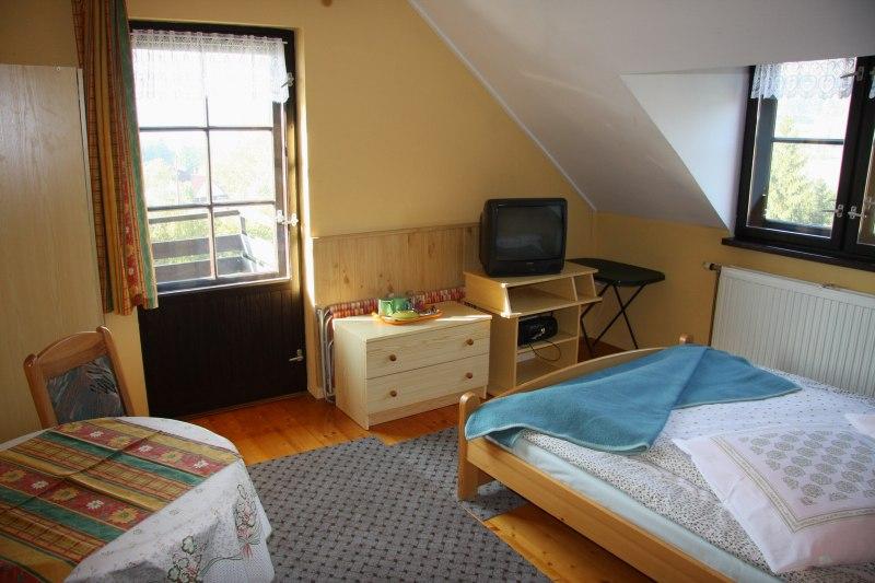 pokoj 2 os. z łazienką i balkonem