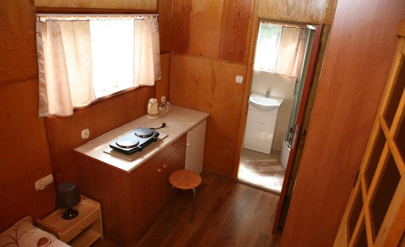 Domek czteroosobowy z prysznicem
