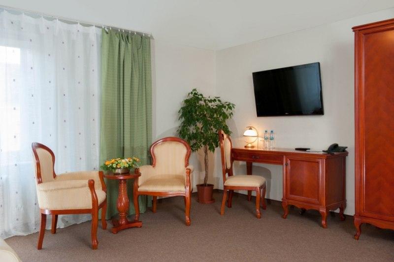 hotel polonia we wroc awiu wroc aw r dmie cie ul marsz j zefa pi sudskiego 66 hotele. Black Bedroom Furniture Sets. Home Design Ideas