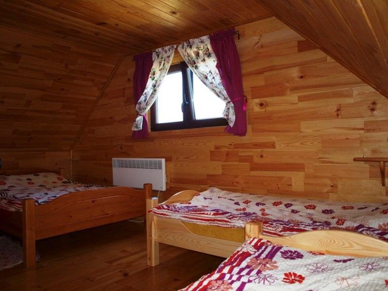 """""""Świerkowe Chatki nad Soliną"""" - domki nad jeziorem"""