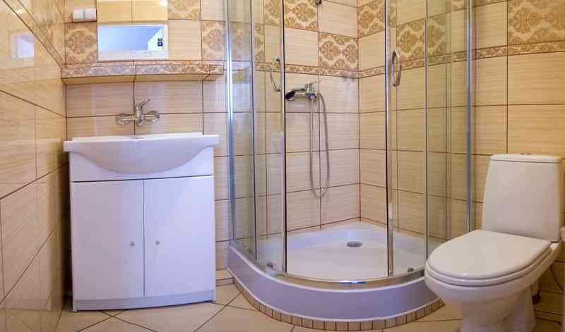 Łazienka do pokoju 4-osobowego