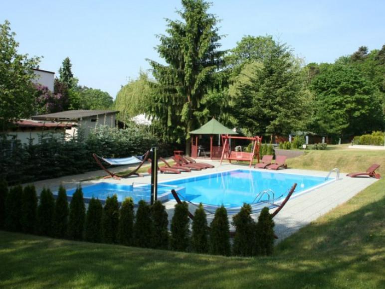 basen z podgrzewaną wodą