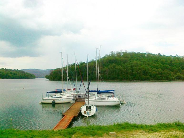 jezioro solińskie okolica