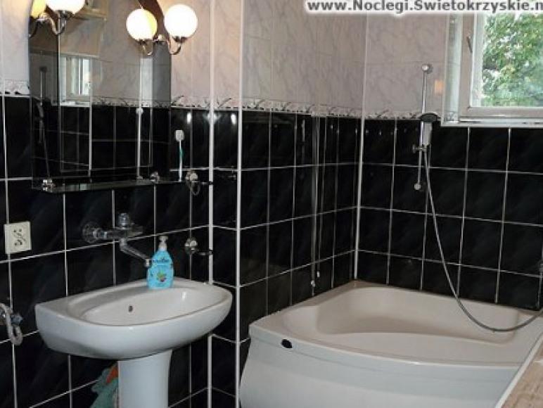 Pokój nr 1 z aneksem kuchennym i łazienką