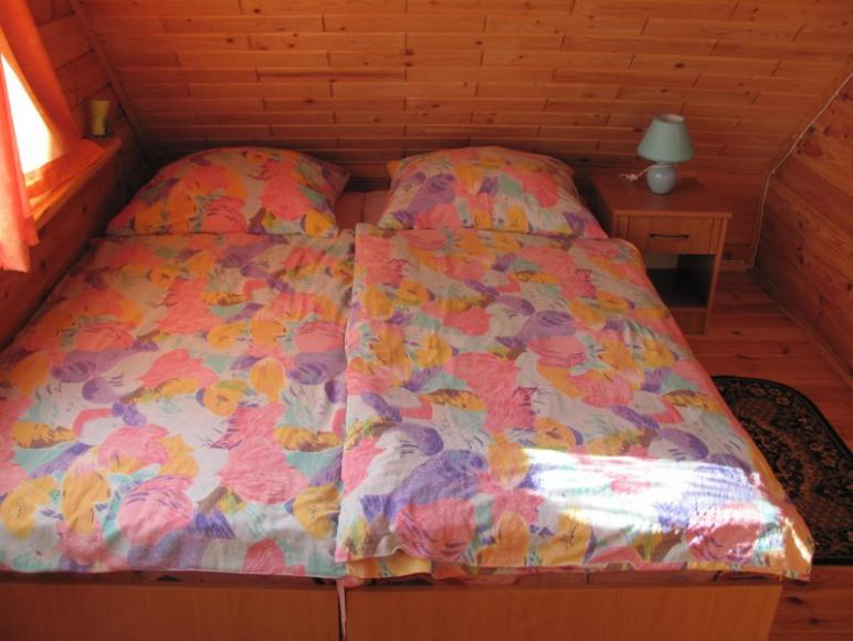 sypialnia na piętrze(2 os.)