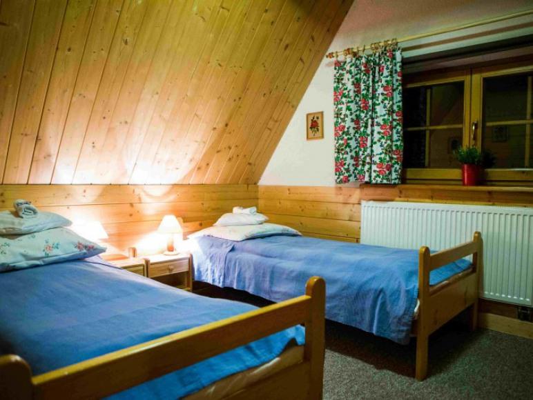 Apartament 4-5 os. dorosch