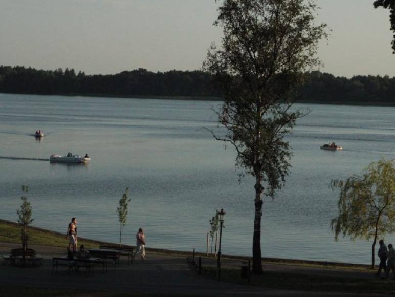 Kraina Alicji apartament nad samym brzegiem jeziora Ełk