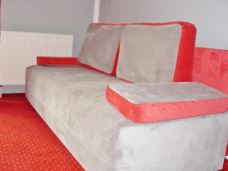 Nowe kanapy w pokojach 7+8