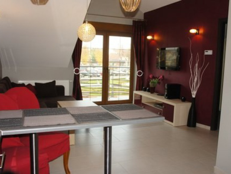 Apartament Bordowy