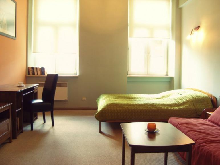 Przestronny i komfortowy pokój Investor.