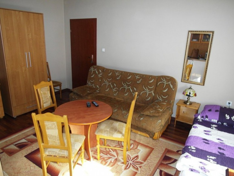 pokój 3-4 osobowy z aneksem kuchennym