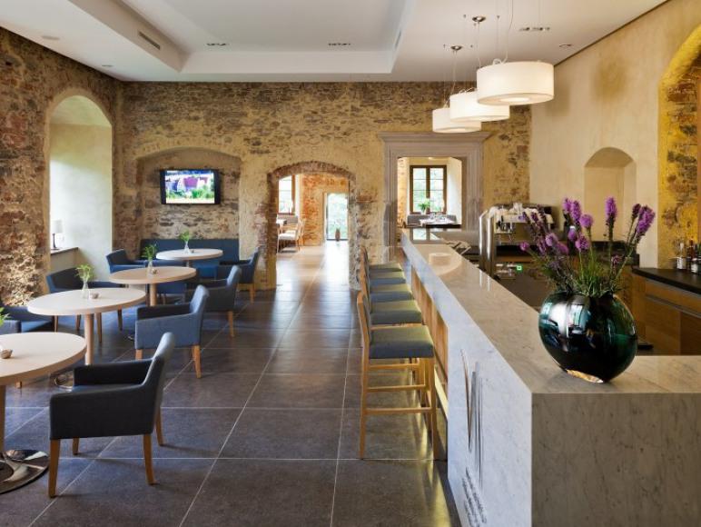 Uroczysko Siedmiu Stawów Luxury Hotel