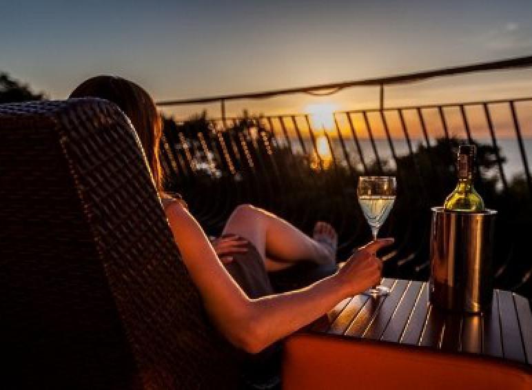 Romantyczne zachody słońca na balonie naszych Suit