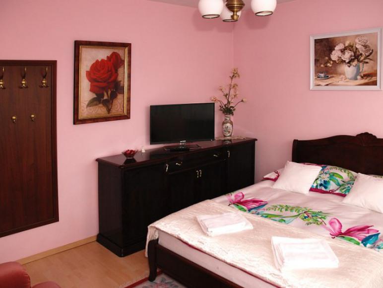 pokój w apartamencje różowym