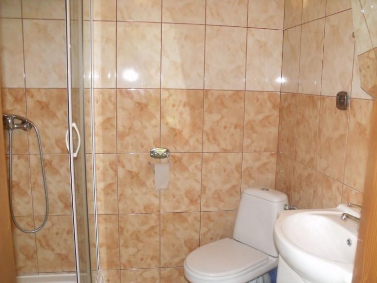 Łazienka pokoju nr 3.