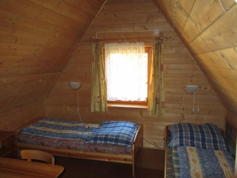 pokój 2 osobowy ze wspólną łazienką