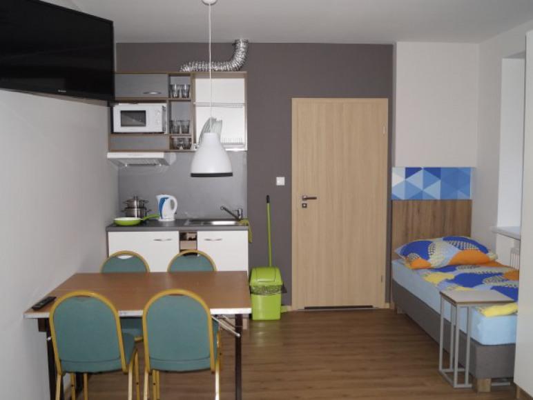 Hotel Pracowniczy Platan ul Poznańska 74