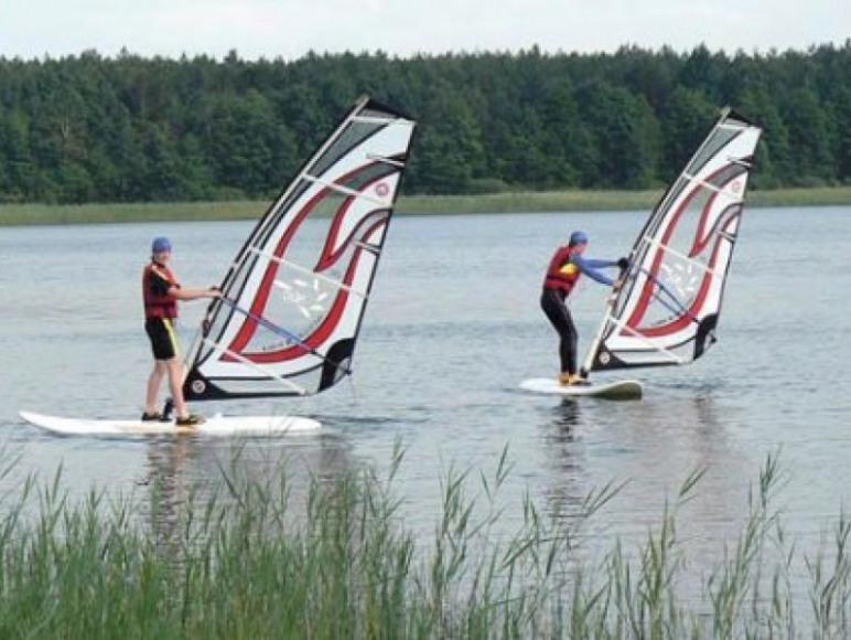 Sporty wodne nad zalewem