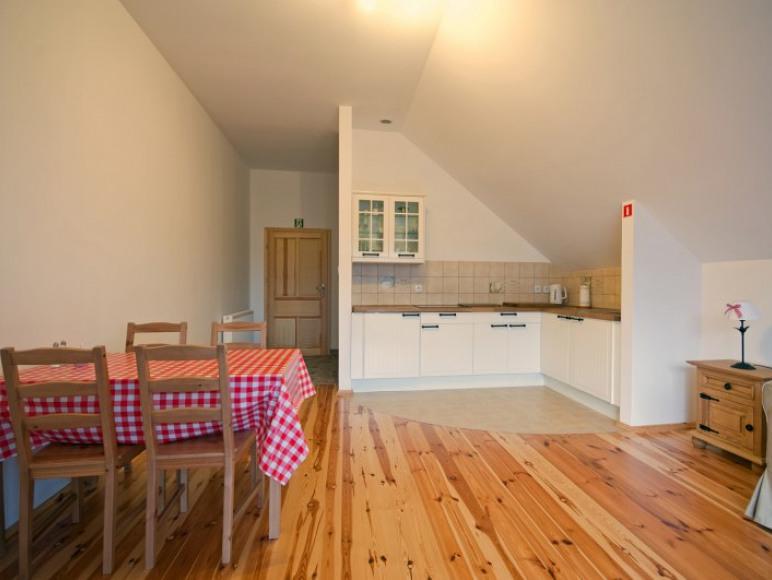 Apartament 4 osobowy salonik/jadalnia