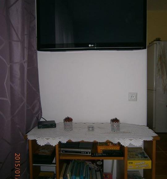 Kącik TV+biblioteczka