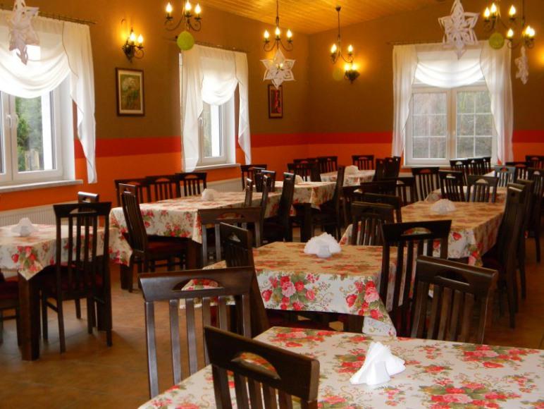 """Restauracja """" Stary Młyn"""""""