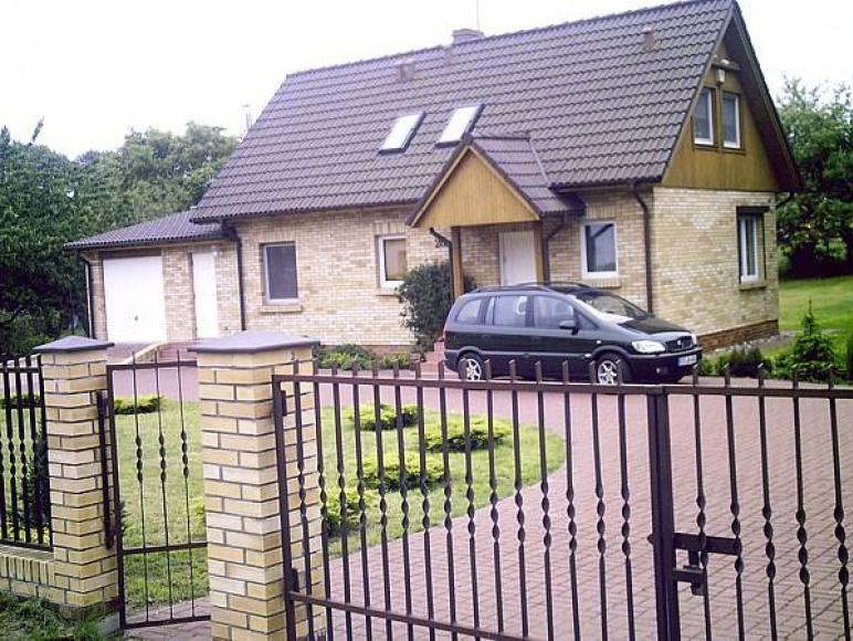 Dom od ulicy